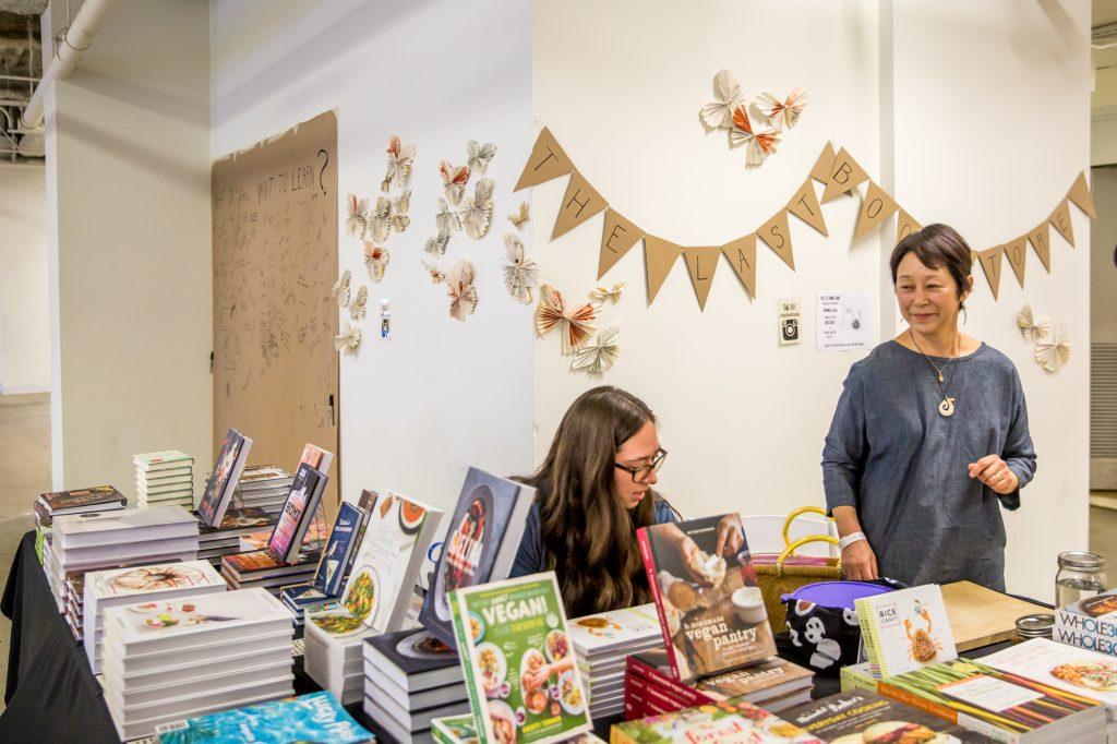 Artisanal-LA_The-Last−Book-Store