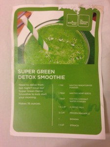 navitas naturals_super-detox-green-smoothie-recipe 23.02.38