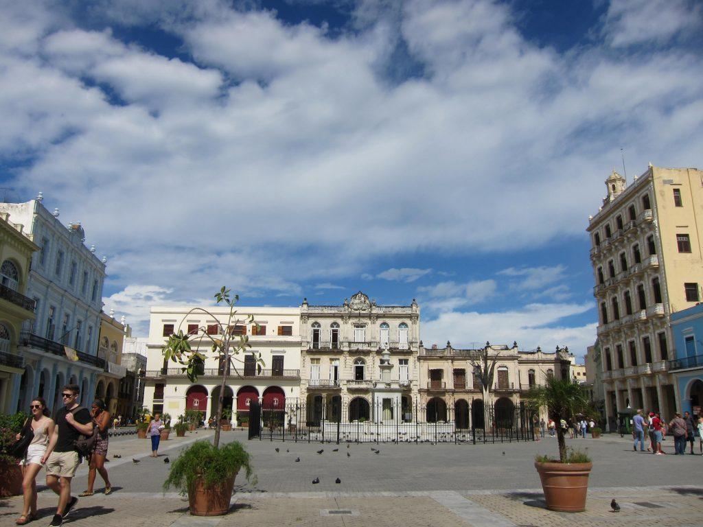 オールド・ハバナの広場