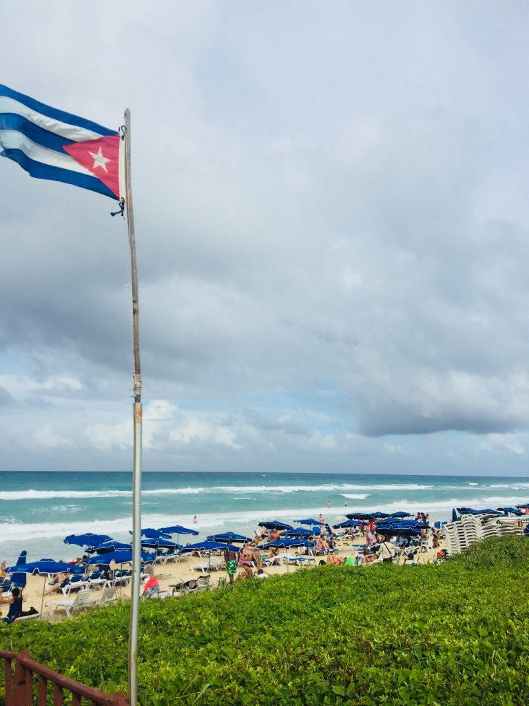 カリブ海とキューバ国旗