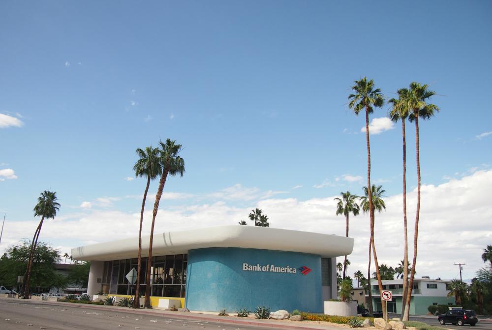 パームスプリングス 銀行