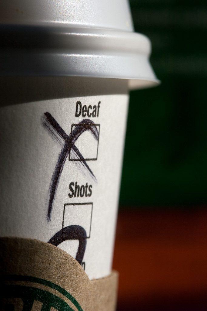 スターバックスでもデカフェは気軽に注文できますね ©Chris Brown
