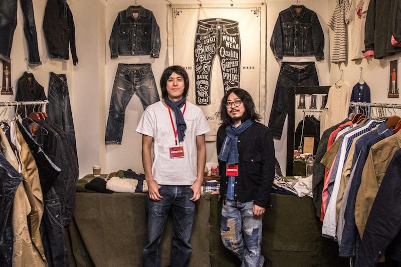 日本のブランドも参加していました。東京は上野のデニムブランド「HINOYA」の谷口さん(左)と西澤さん(右)