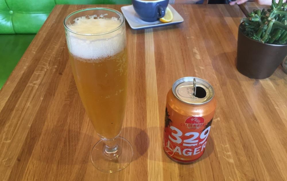 お約束のビール。これはGolden Road BrewingというLAのブリュワリーのラガーで、その名も「329 LAGER」($5.5)